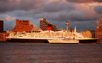 QE2 and Superseacat 2