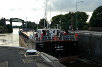 Ardent departing the Small lock at Latchford