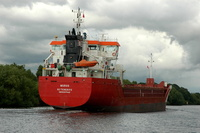 Muros passing Thelwall Ferry 9/8/2010