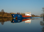 Linnau on the Manchester Ship Canal