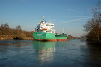 Arklow Flair cuts through the ice at Thelwall Ferry