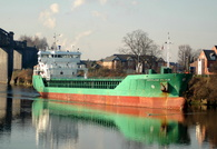 Arklow Flair approaching Latchford Locks