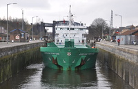Arklow Fortune entering Latchford Locks 22/2/2013