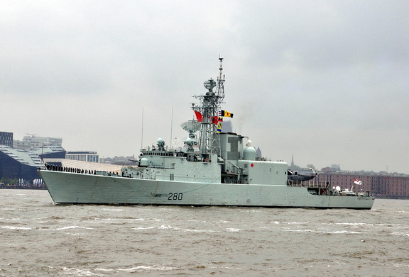 HMCS Iroquois 280 Canadian Destroyer