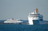 Oriana and Queen Mary 2 departing Southampton