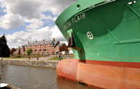 Arklow Flair entering Latchford Locks
