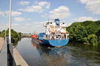 Thea 11 heading East to swing at Irlam Locks
