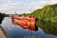 Allegretto sailing from Irlam Locks