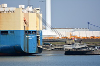 Morning Lucy unloading at Tilbury