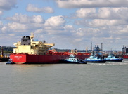 Leonid Loza berthing at Fawley