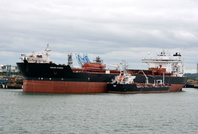 Navion Scandia alongside Esso 5 Fawley