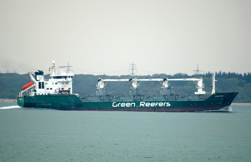 Green Bodo  IMO 8804555 5048gt Built 1990 Refrigerated Container Ship inward from the Needles